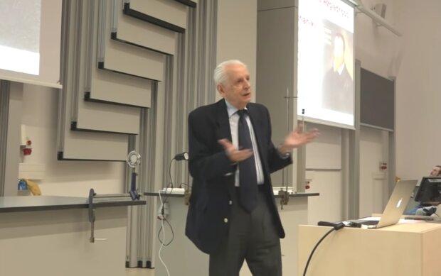 Prof. Andrzej Kajetan Wróblewski/ screen Youtube