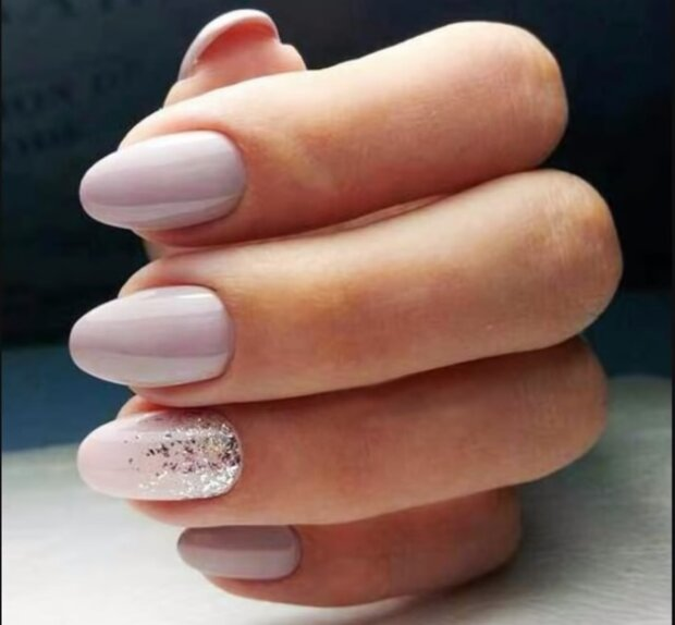 Manicure, screen YT