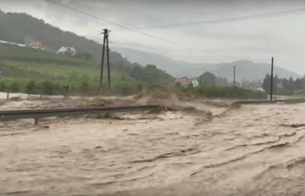 powódź po ulewie w Świdniku / YouTube : Z NETA