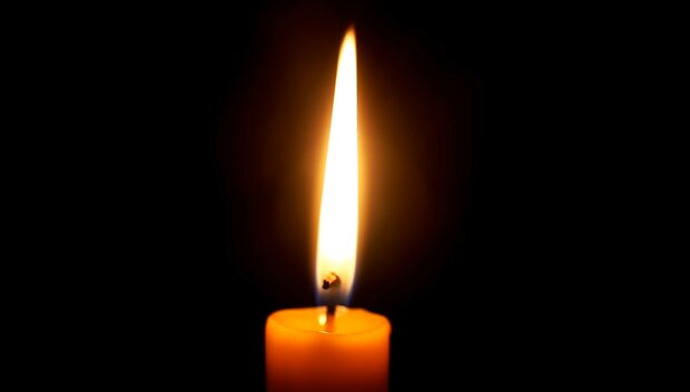 Płonąca świeca/YouTube @ SlowTV Relax&Background