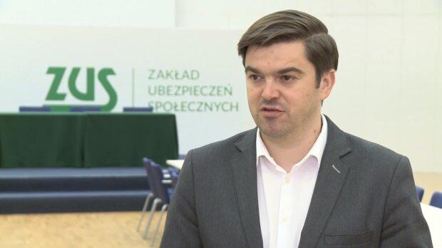 Wojciech Andrusiewicz, rzecznik Ministerstwa Zdrowia. Źródło: Youtube CEO MAGAZYN POLSKA - TV