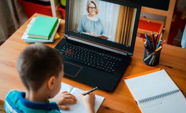 Ponad 6 tysięcy szkół przejdzie na nauczanie w trybie zdalnym, screen Google