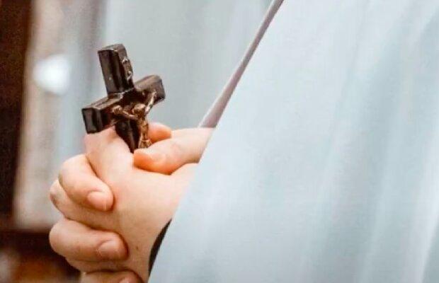 Ile wynosi emerytura duchownych? /YouTube:  Aktualności 360
