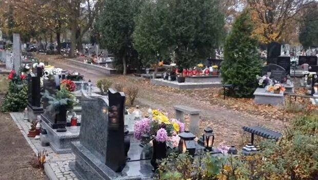 Cmentarz w Bydgoszczy/YouTube @Andrzej Blocinski