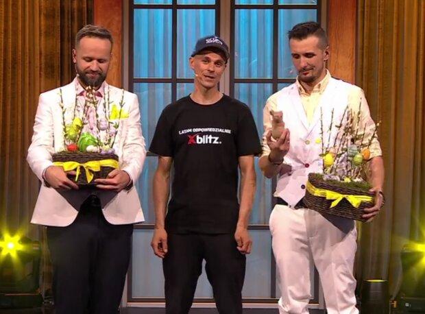 Piotr Żyła w kabarecie / screen Facebook kabaretnazywo
