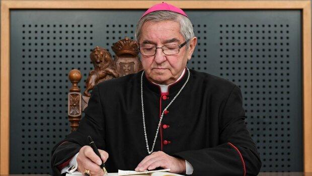 Arcybiskup Głódź na fali krytyki. Powinien oddać swoje pieniądze biednym? Internauci nie mają litości