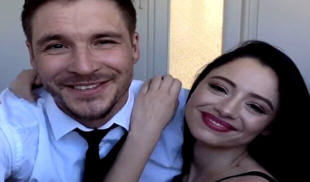 Mikołaj Roznerski, Adriana Kalska/ YouTube @#zostańwdomu