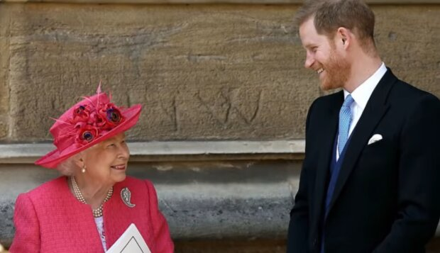 Królowa Elżbieta i książę Harry / YouTube @Dla Ciekawskich