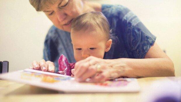 Teściowa przylgnęła do nas trzeciego dnia - powiedziała, że bardzo tęskni za wnukami, a nawet nie zajrzała do ich pokoju