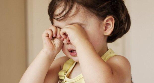 Płacząca dziewczyna, screen YT