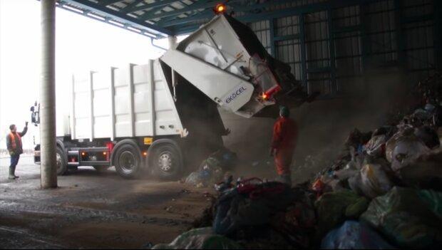 Radioaktywne śmieci! / YouTube:  4Truckspl