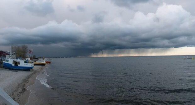 Trąba wodna nad Bałtykiem/YouTube @Aga Artur