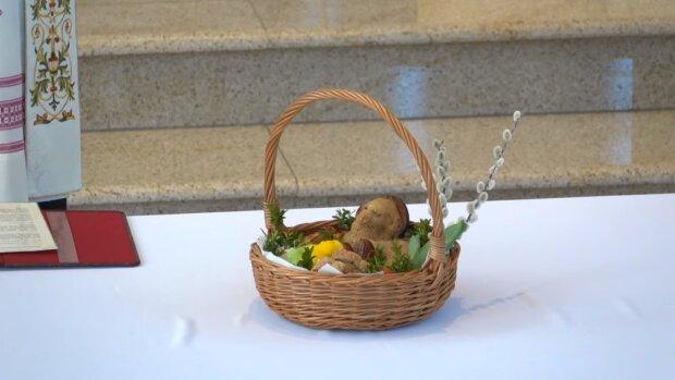 Wielkanocny koszyczek. Źródło: Youtube Parafia św. Ignacego Loyoli w Warszawie