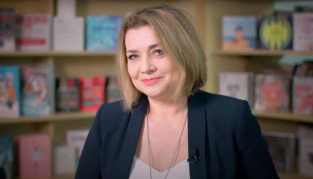 Małgorzata Ostrowska - Królikowska / YouTube:  Fundacja ABCXXI - Cała Polska czyta dzieciom