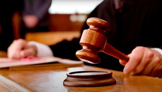 Jakądecyzję podejmie sąd? / YouTube:  Questionable?