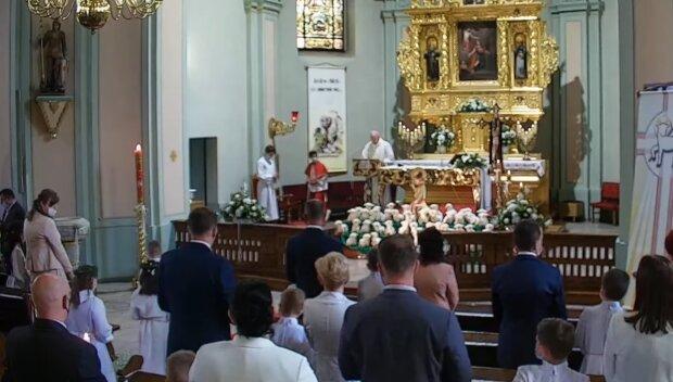 Kontrowersyjne słowa duchownego/YouTube @ Parafia św. Jerzego w Dębieńsku
