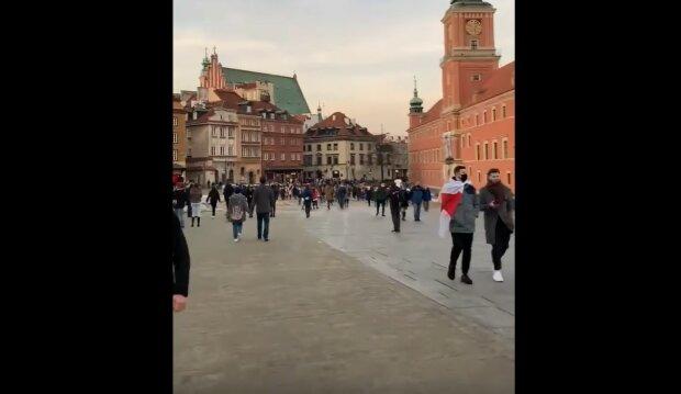 Tłumy w Warszawie/Youtube @Polacy vs. oprawcy