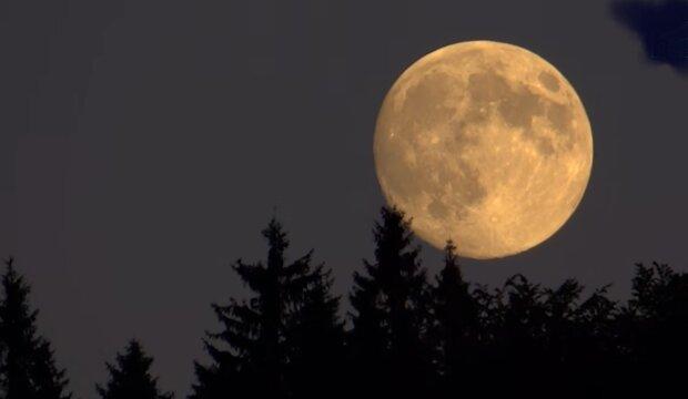 Pełnia Księżyca/ YouTube @Telewizja Beskid