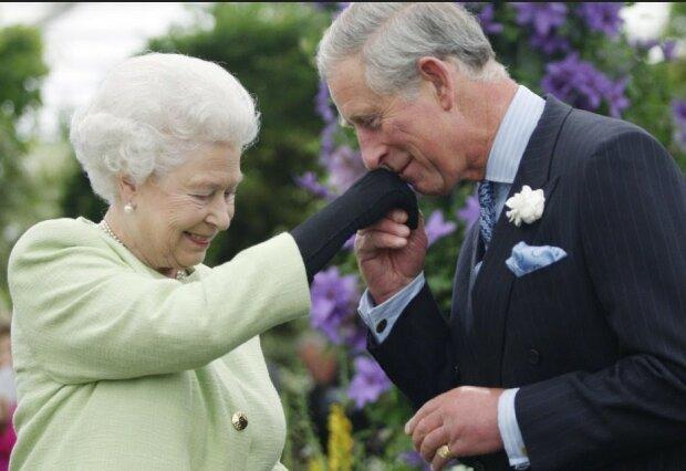 Książę Karol, królowa Elżbieta II/screen YouTube