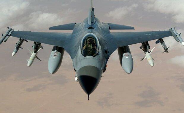 F-16/screen Pickpik